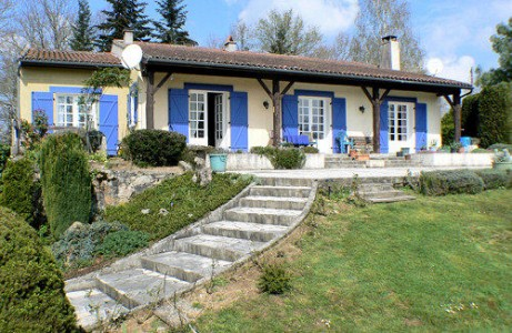 French property, houses and homes for sale in Piegut-PluviersDordogne Aquitaine