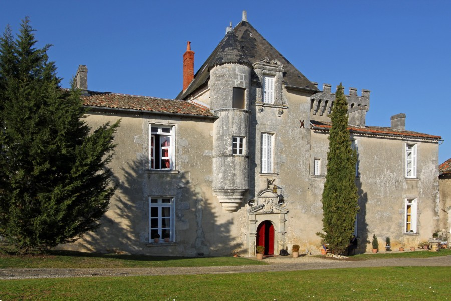 409 Hectare Country Estate With 17c Ch Teau Working Farm