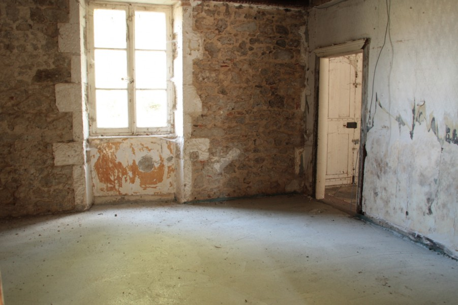 Leggett house for sale in videix haute vienne truly for Renovation maison de maitre