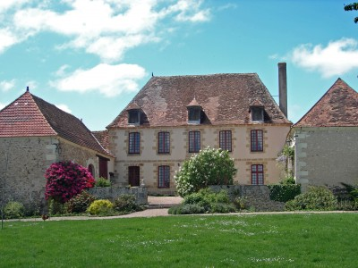 French property, houses and homes for sale in LUSSATCreuse Limousin
