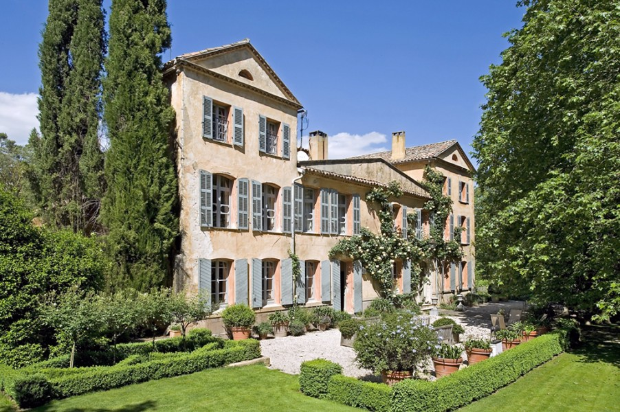 Exceptional country house in provence in 170 hectares of for French country houses for sale