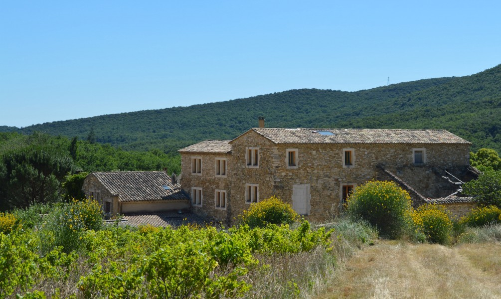 House for sale in uzes gard beautifully restored mas for Chambre d hote languedoc roussillon