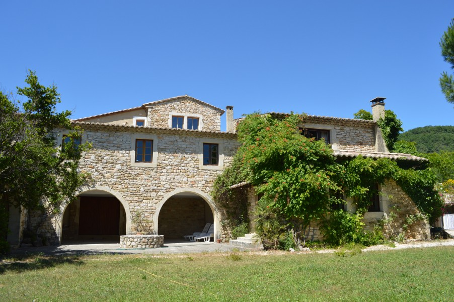 Leggett house for sale in uzes gard beautifully for Chambre d hotes for sale