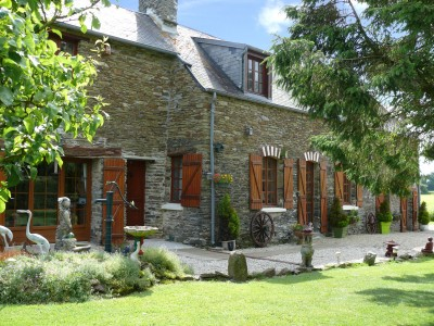 Stephen buss 39 s selection of french property for sale for Vieille maison de campagne