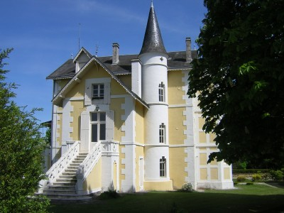 Leggett Chateau For Sale In Villebois Lavalette