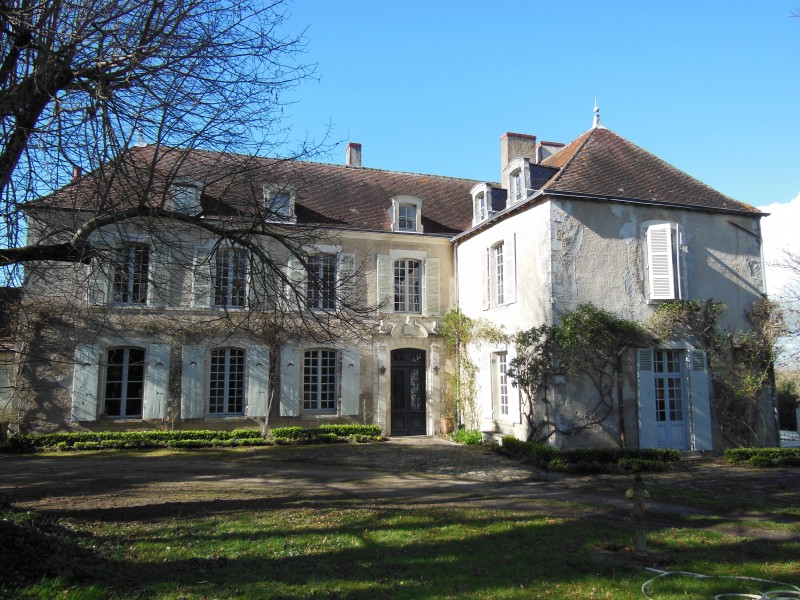 Leggett house for sale in le blanc indre look a for Achete maison france