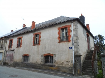 Leggett latest properties and houses for sale in auvergne for Acheter maison auvergne