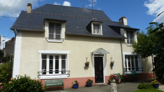 French property, houses and homes for sale in COURCITEMayenne Pays_de_la_Loire