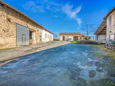 French property, houses and homes for sale in CHAMPS ROMAIN Dordogne Aquitaine