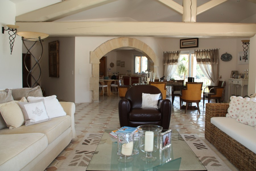 Leggett house for sale in le plan de la tour var plan - Maison de la literie plan de campagne ...