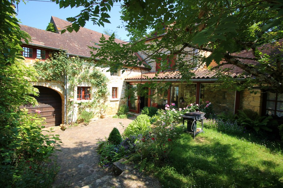 House in aquitaine dordogne large old renovated farmhouse situated