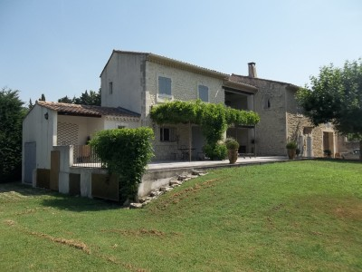 French property, houses and homes for sale in CHATEAURENARD Bouches_du_Rhone Provence_Cote_d_Azur