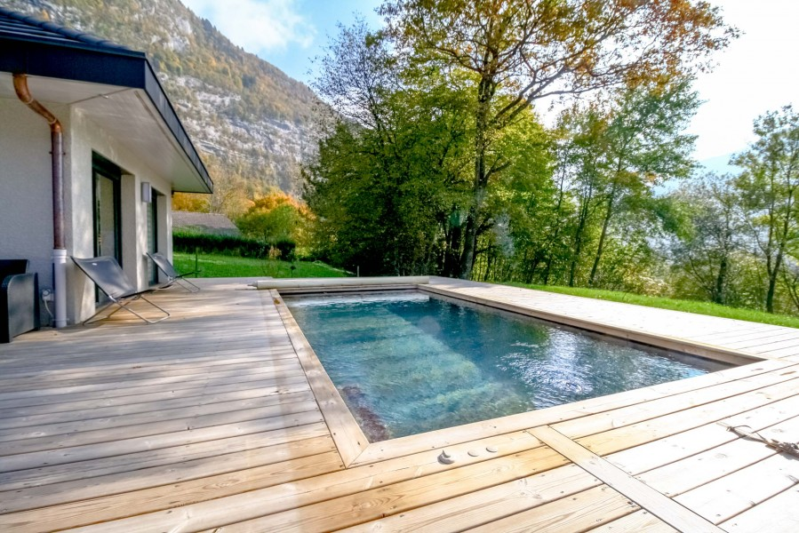 Maison vendre en rhone alpes haute savoie annecy for 6 bedroom house with swimming pool for sale