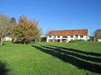 French property, houses and homes for sale in AINAY LE CHATEAU Allier Auvergne