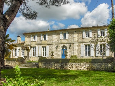 French property, houses and homes for sale in GALGON Gironde Aquitaine