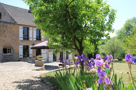 French property, houses and homes for sale in Le grand Island Yonne Bourgogne