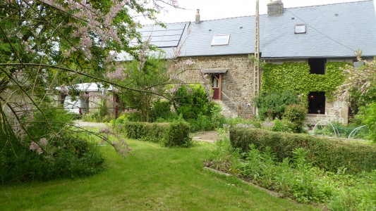French property, houses and homes for sale in COUESMES VAUCEMayenne Pays_de_la_Loire