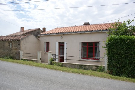 French property, houses and homes for sale in ST PIERRE DU CHEMINVendee Pays_de_la_Loire