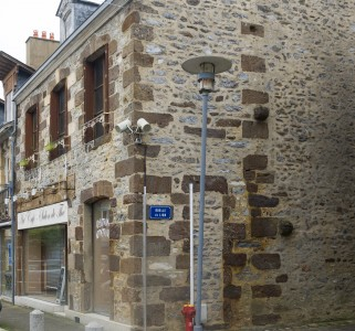 French property, houses and homes for sale in FRESNAY SUR SARTHESarthe Pays_de_la_Loire