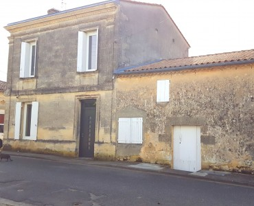 French property, houses and homes for sale in VILLENAVE DE RIONS Gironde Aquitaine