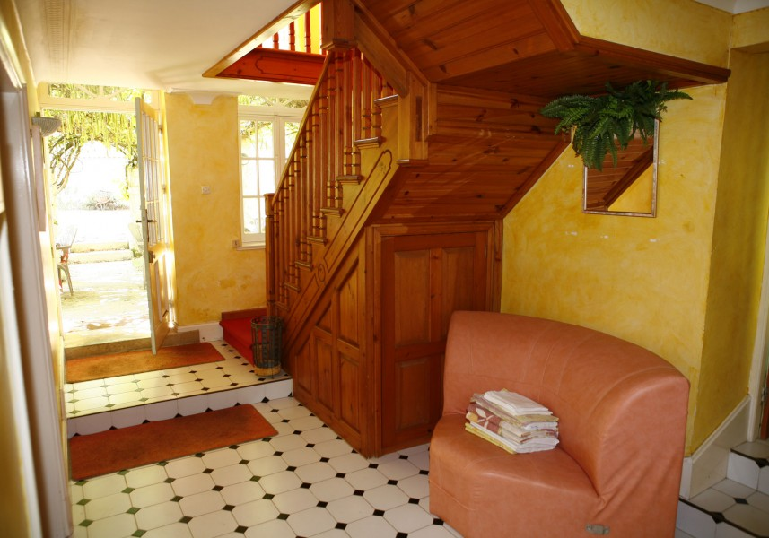 Leggett commercial for sale in brantome dordogne for Chambre commercial