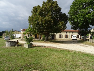 French property, houses and homes for sale in ST VIVIEN DE BLAYE Gironde Aquitaine