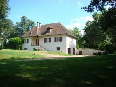French property, houses and homes for sale in Montpon-Menesterol Dordogne Aquitaine
