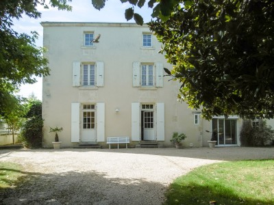French property, houses and homes for sale in FONTENAY LE COMTEVendee Pays_de_la_Loire