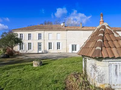 French property, houses and homes for sale in NIEUL LE VIROUIL Charente_Maritime Poitou_Charentes