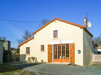 French property, houses and homes for sale in LE BREUIL BERNARD Deux_Sevres Poitou_Charentes